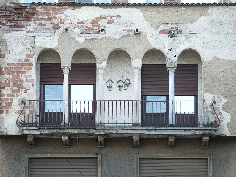 Vintage building balcony facade texture building and for Building balcony